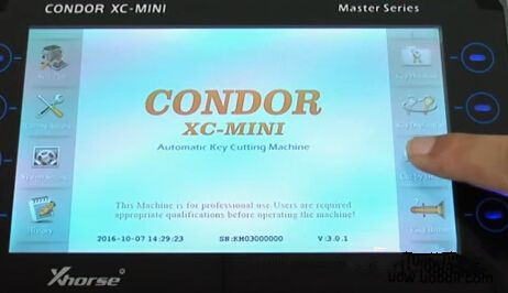 condor-xc-mini-key-cutting-machine-cut-hu64-key-1
