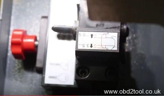 sec-e9-key-cutting-machine-cut-chevy-dw04-13