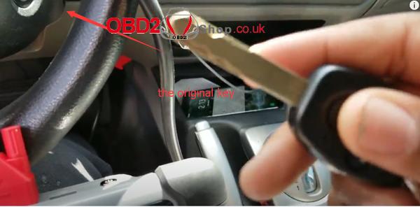 how-to-program-car-key-with-autel-mk808-01