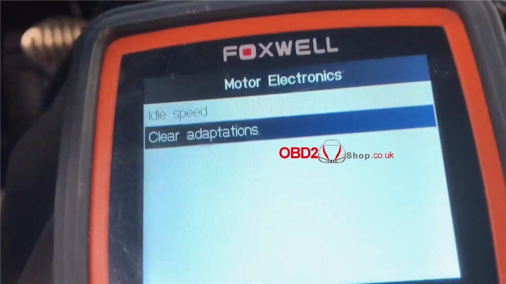 bmw-mini-cooper-adaptation-values-reset-by-foxwell-nt510 (11)