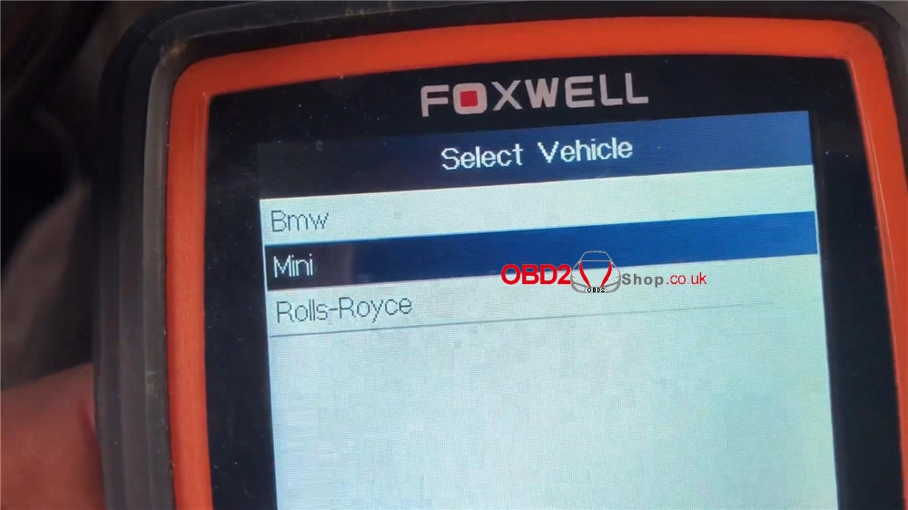 bmw-mini-cooper-adaptation-values-reset-by-foxwell-nt510 (3)