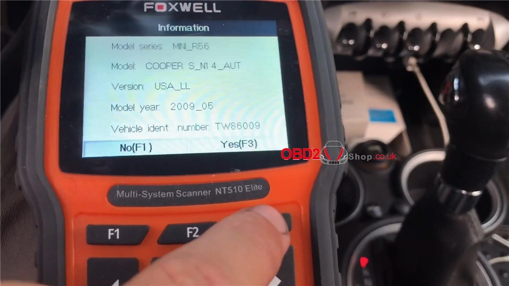bmw-mini-cooper-adaptation-values-reset-by-foxwell-nt510 (6)