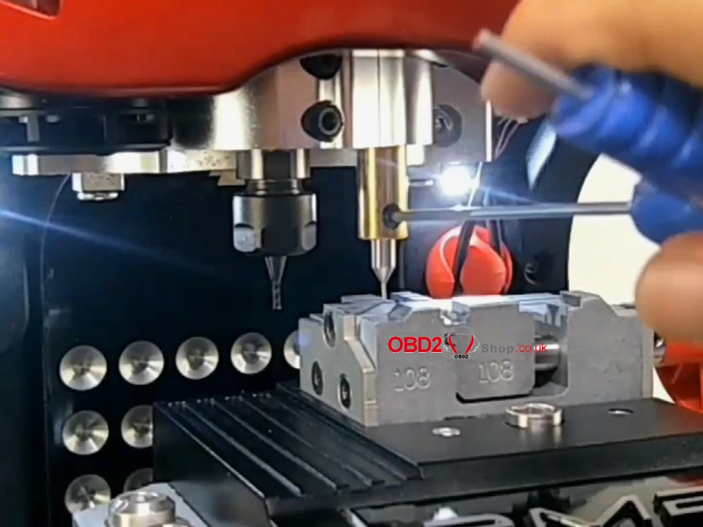 how-to-install-cutter-probe-for-2m2-magic-tank (12)