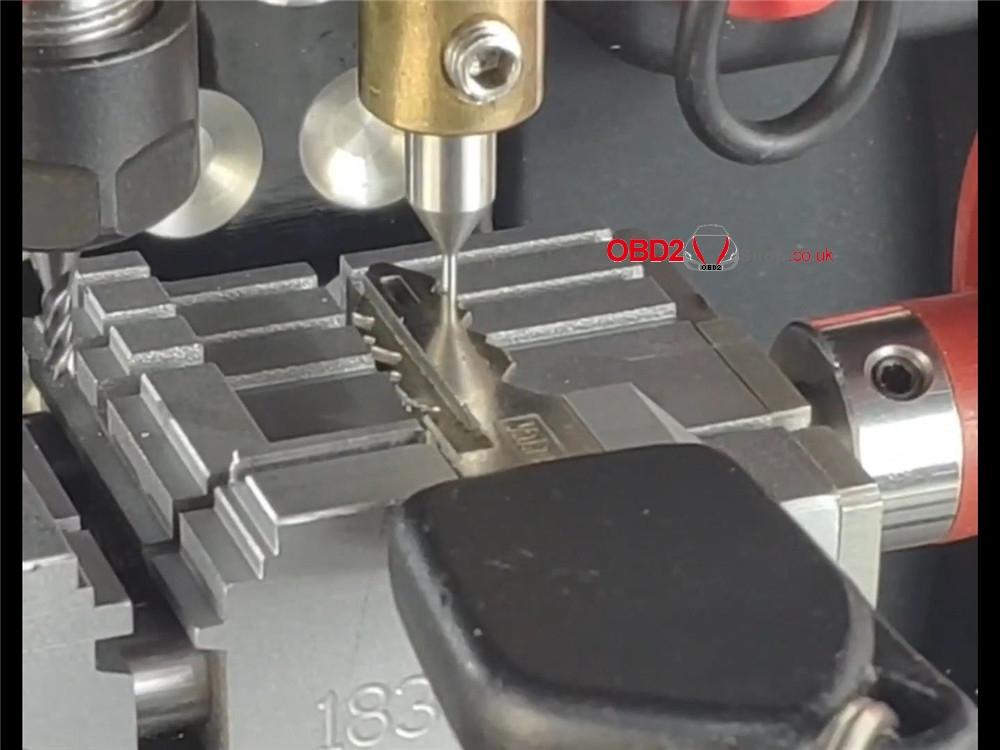 how-2m2-magic-tank-cut a-ne72-ne73-peugeot-key (11)
