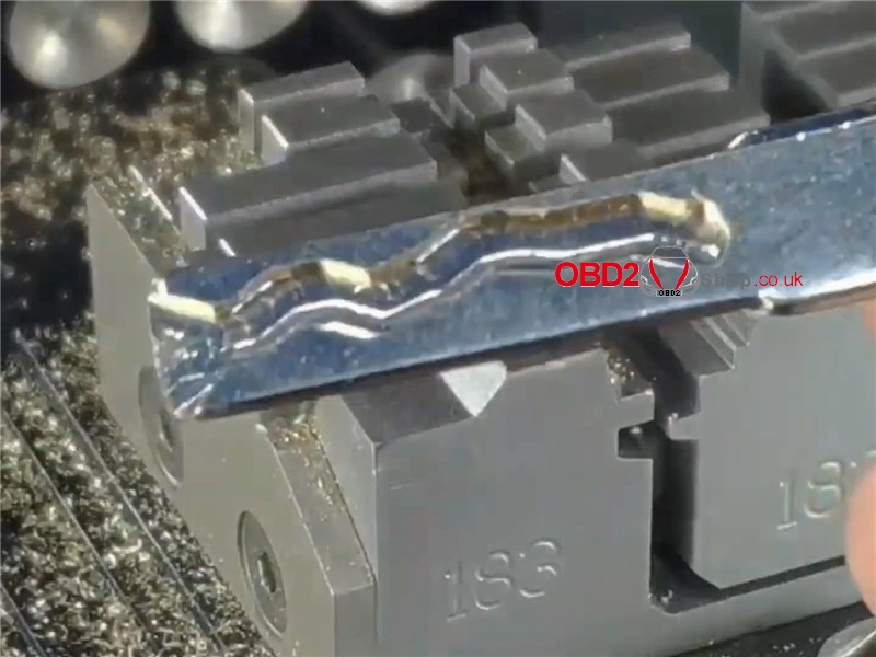 2m2-magic-tank-cut-a-hu66-key-for-vw-audi (13)