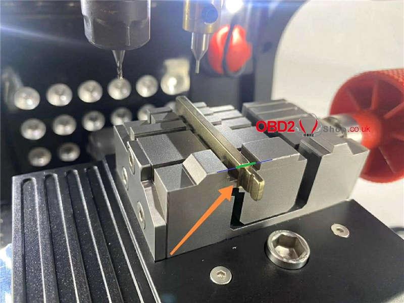 cut-a-hu101-key-blank-by-2m2-magic-tank-machine (11)