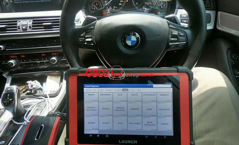 calibrate-bmw-528i-f10-steering-angle-by-launch-x431-pad-v-(1)