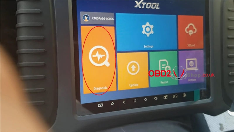 dodge-charger-adds-a-key-via-xtool-x100-pad3-in-3-mins (1)