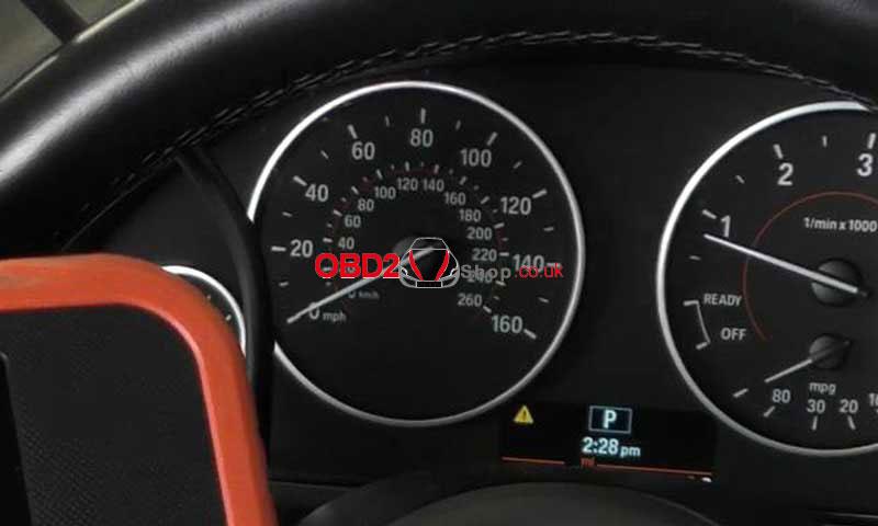 reset-bmw-srs-airbag-light-via-launch-x431-crp129e-(8)