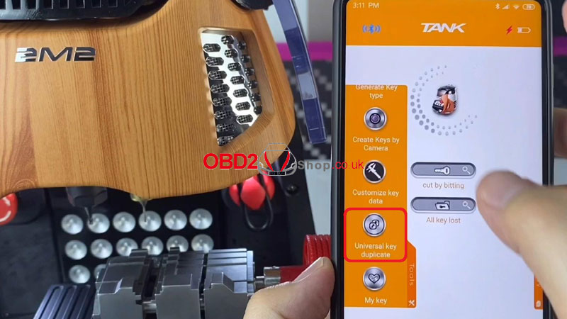 duplicate-universal-flat-key-by-2m2-magic-tank-(1)