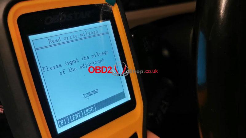 vw-passat-b6-b7-cc-mileage-adjustment-via-obdstar-x300m-(8)